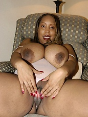 Huge chocolate milk juggs spill out of BBW\\\\\\\'s bra!