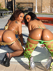 Two juicy babes with phat bubble asses share a big cock