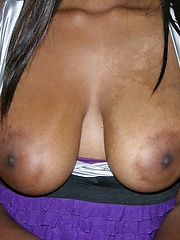 Black Amateur Babe Modeling Nude