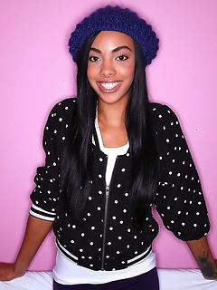black model Taylor Luxx